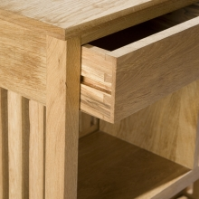 oak-sideboard-close