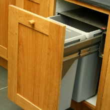 oak-pull-out-bin