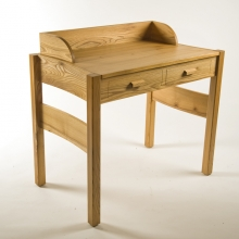 elm-writing-desk