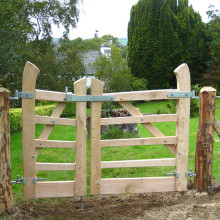 Cleft oak 5 bar garden gates